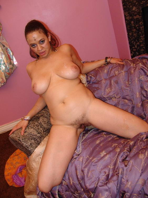 Porno Königinnen von Indien, Courtney devine com