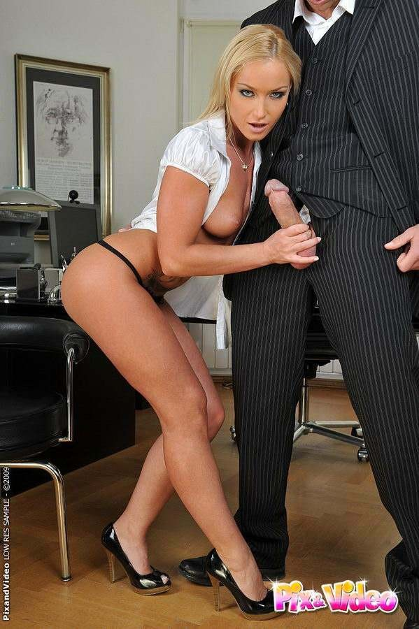 Sexy Secretary Fucked The Ass
