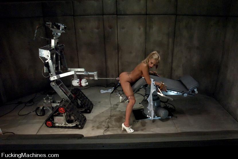 смерть парень и робот трахает девушку машей юрой дружили