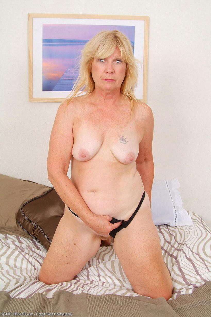 Nude sexy granny