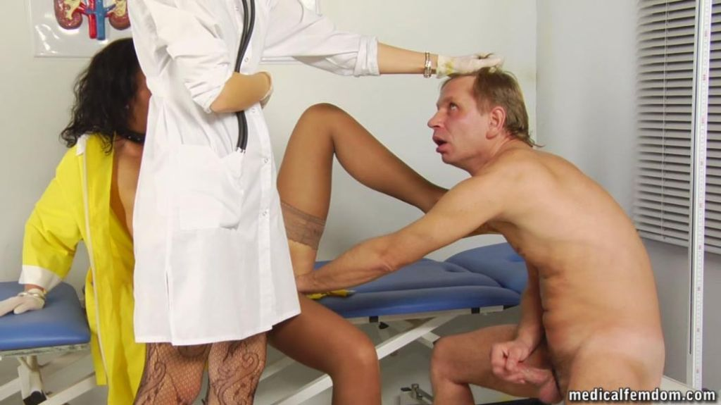 Wacking male slave worships a medical foot