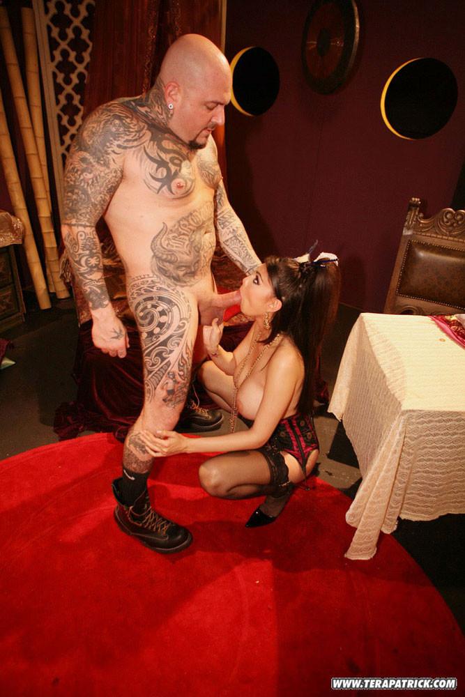 Tattooed man got fucked