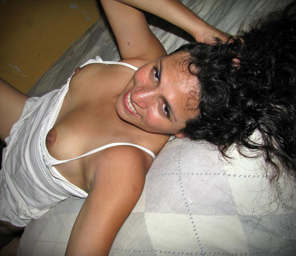 Hot lesbian makout