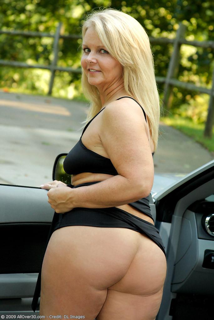 Sexy babe boobs