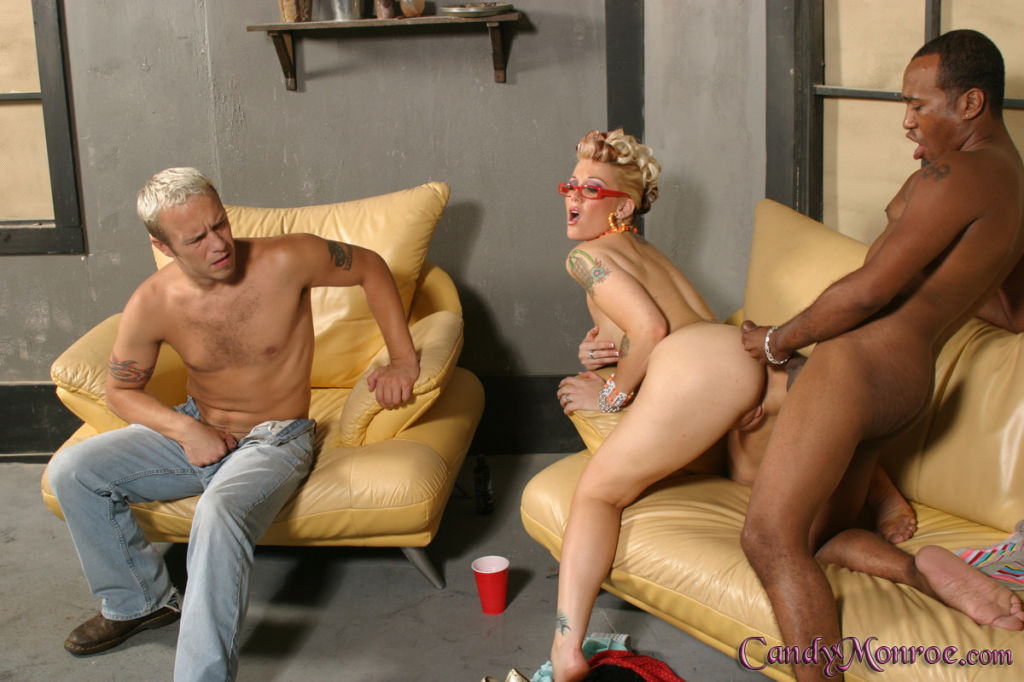 Cuckold Queen Candy Monroe is teaching sucking and