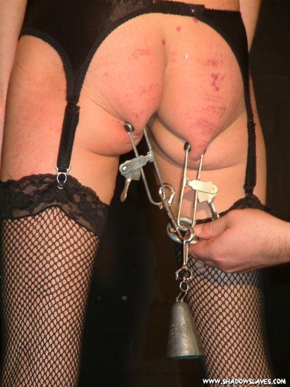 Blonde fetish slave Wynters extreme bdsm ass torme