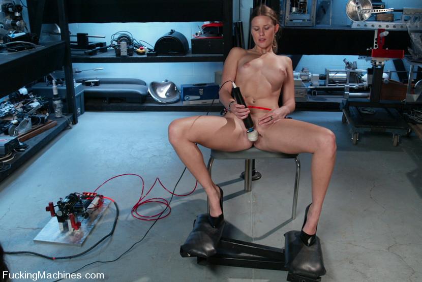 Fucking Machines School Girl