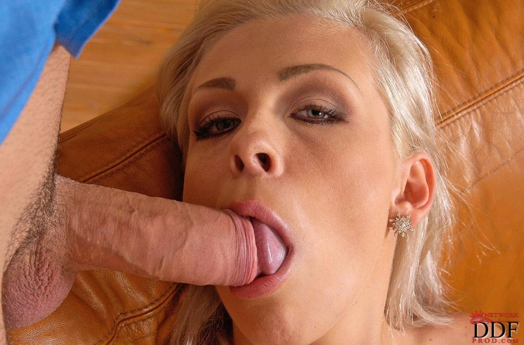 Hot babe with tight ass sucking dick for a facial