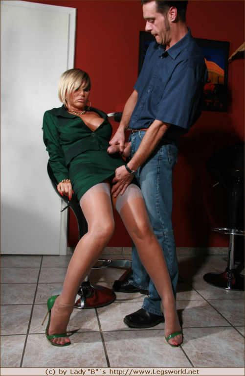 Leggy Barbara in gray stockings teasing horny guy