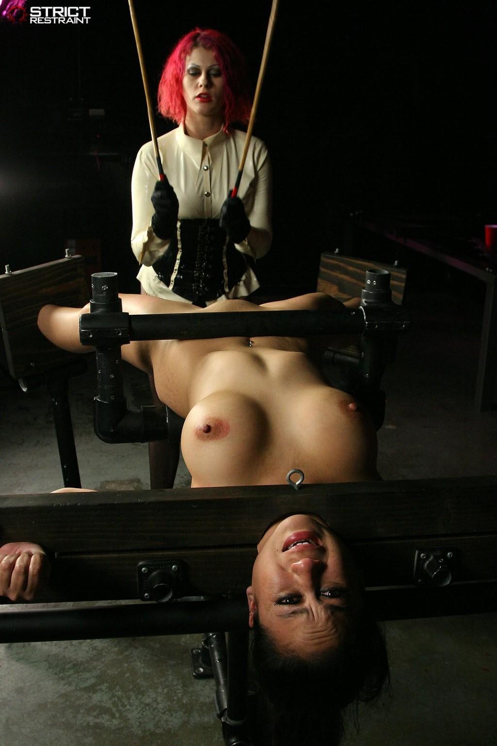 Violetta opens the tight backdoor