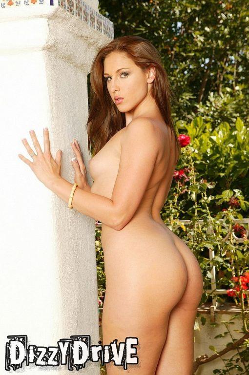 Lauren Phoenix stripping outside