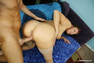 Sexy Vanessa Videl gets the Jizz sprayed on her fa