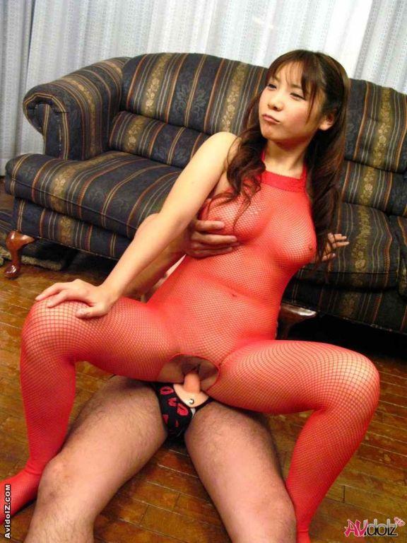Busty Momo Aizawa posing in black lingerie