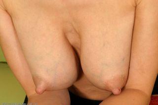 Steffi exposes her perky titties