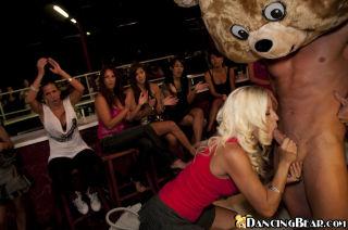 amateur hotties sucking off the stripper at a birt