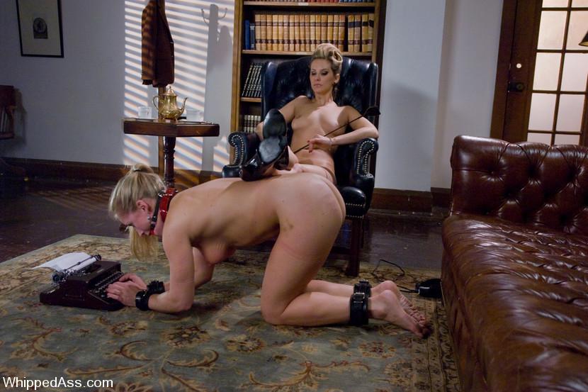 Daisy Ducati Lesbian Bondage