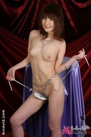 Horny babe Misuzu Imai possing in sexy bikini