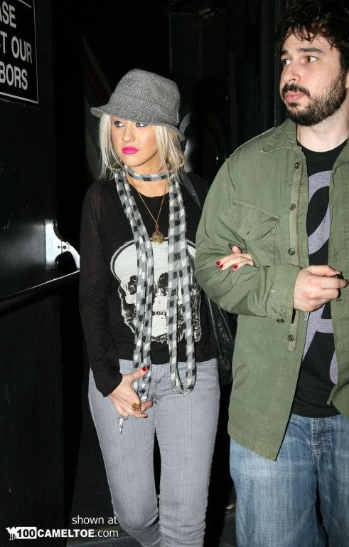 Christina Aguilera best cameltoe photos