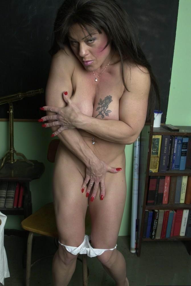 Muscle nude Amateur mature