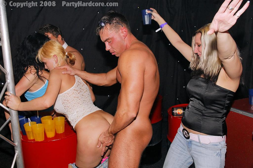 Hardcore party blonde