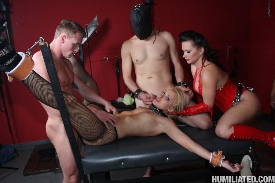 Woman multiple men sex free videos