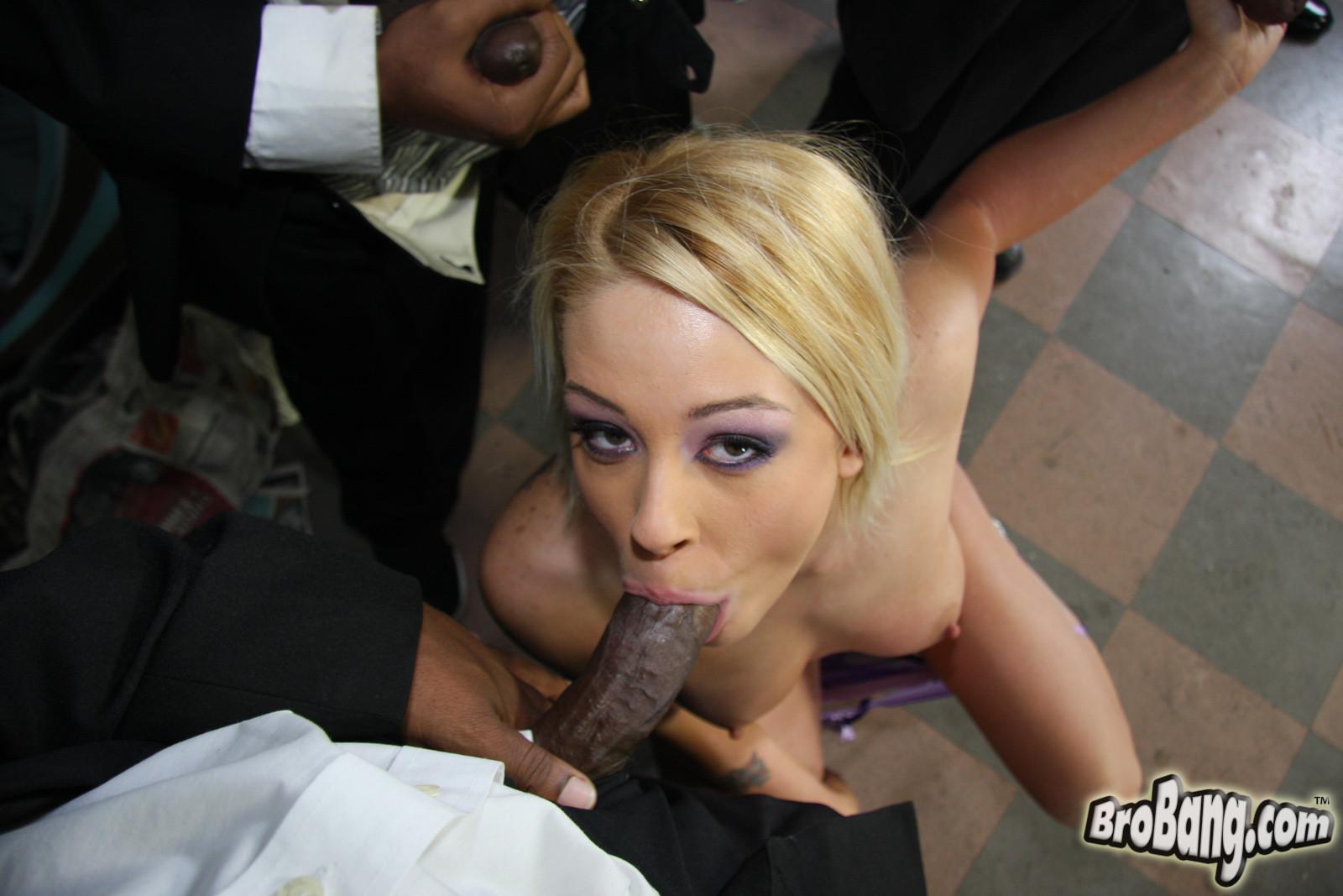 Brittany Angel порно модель