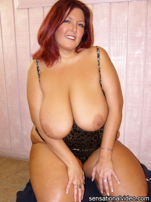 Milf huge anal dildo