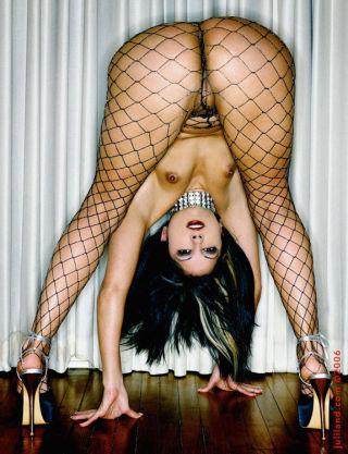 Gia Jordan touches herself thru her fishnets