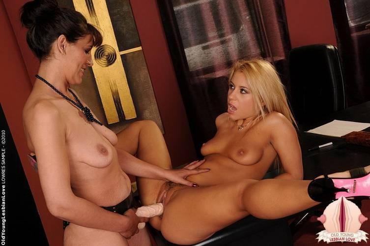 Lesbiand porns Scissoring