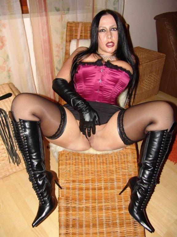 German fetish slut Schokomaus upskirt in stockings