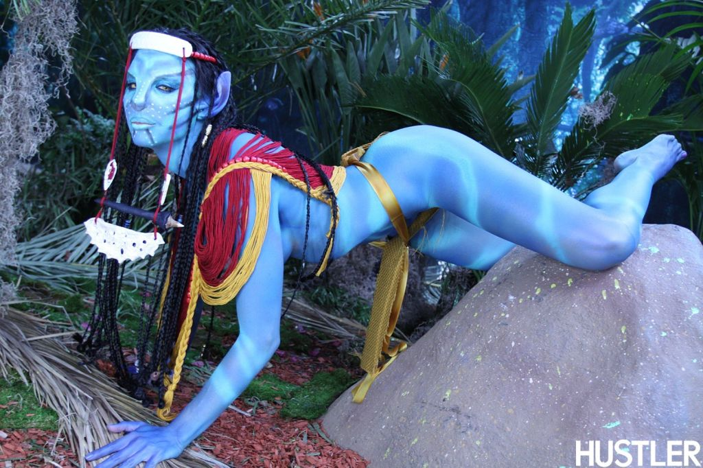 Full figured alien Chanel Preston stripping and sh
