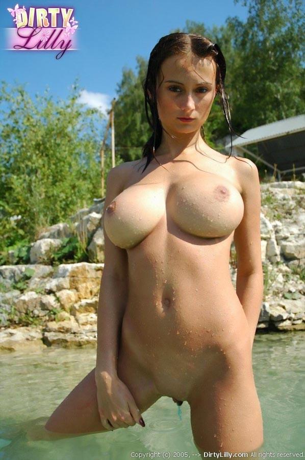 Selena gomez naked pics