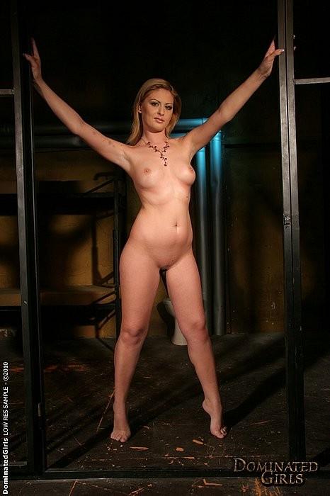 Hot gf Blondie Feser tries out anal sex