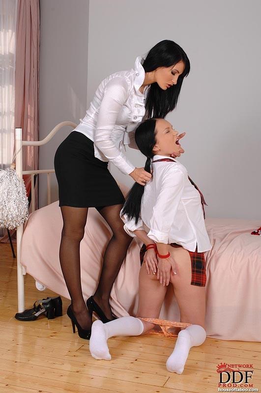 Школьница Порно Фетиш
