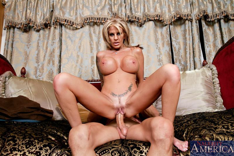 Blond frends mom eskort porno