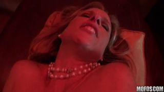 Mature pornstar Jodi West fucks a peeping tom