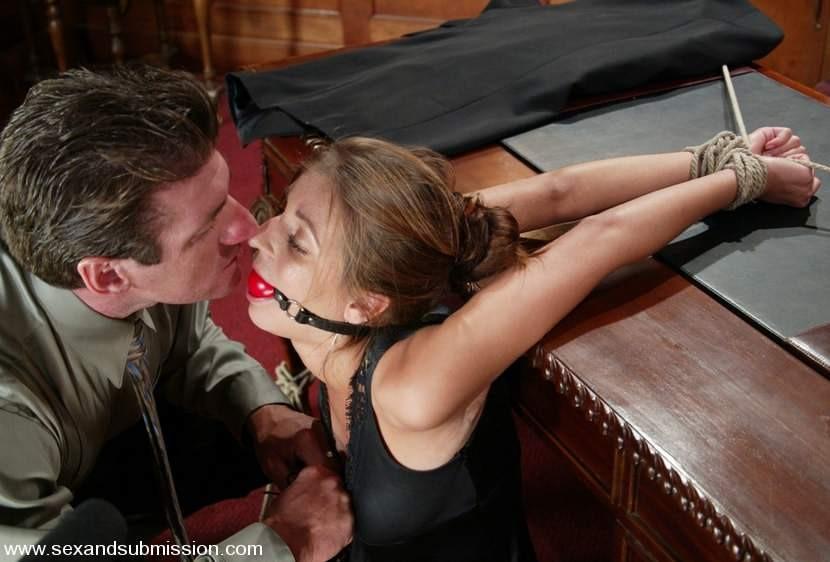долгое рабыня секретарша читать любите смотреть жесткое