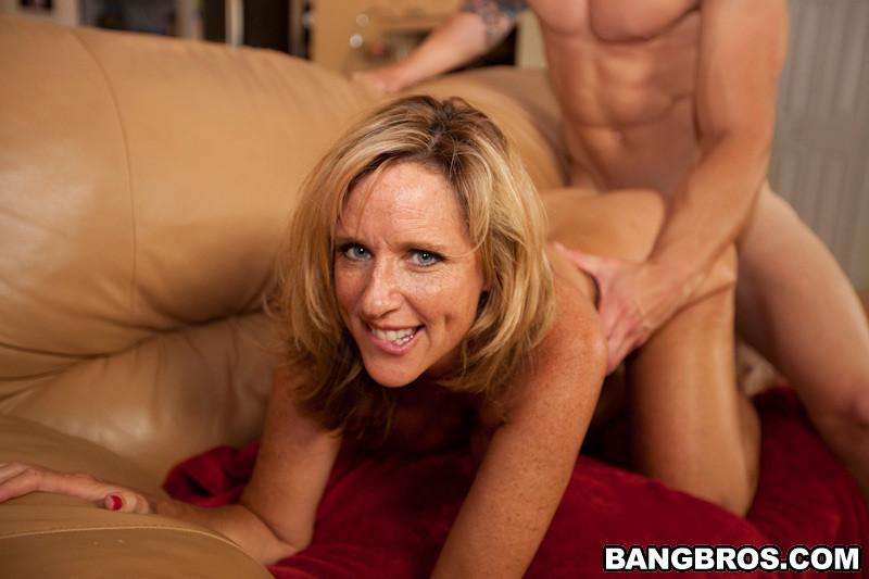 hot blonde milf blowjob