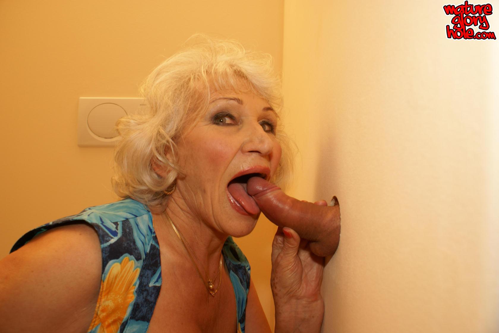 free-gloryhole-granny