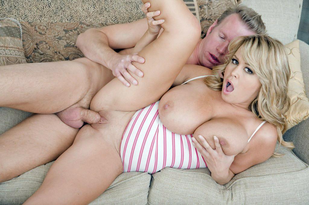 Порно категории большие сиськи блондинка