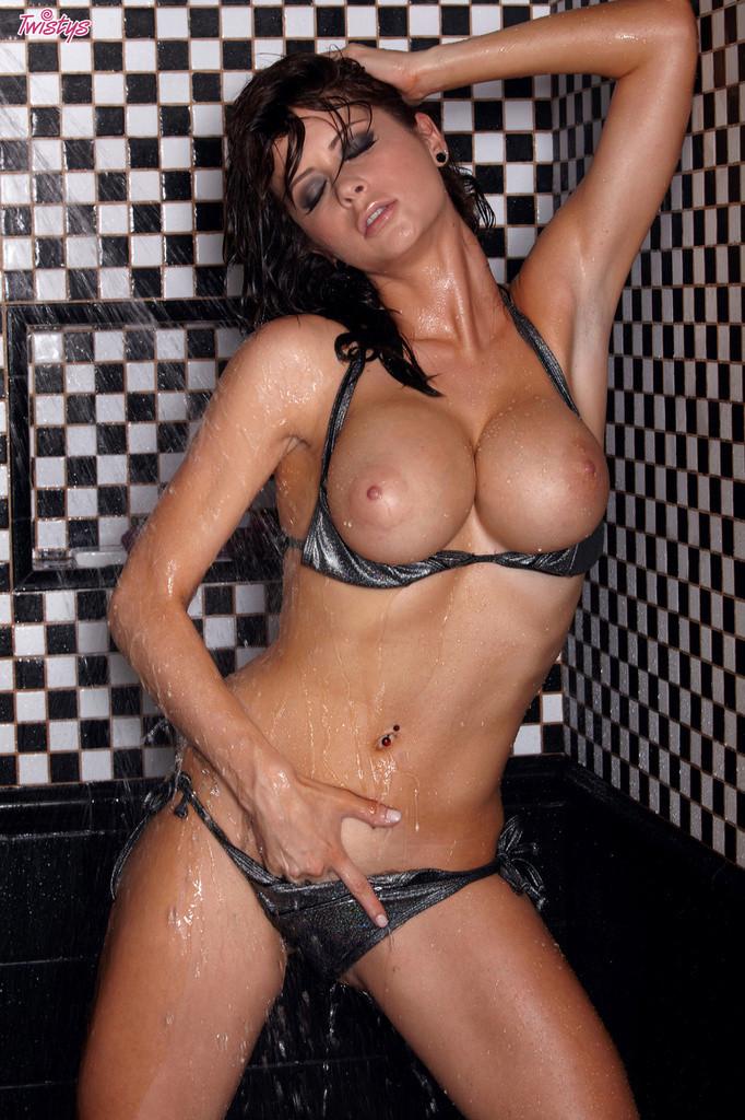 Female amateur athletes nude