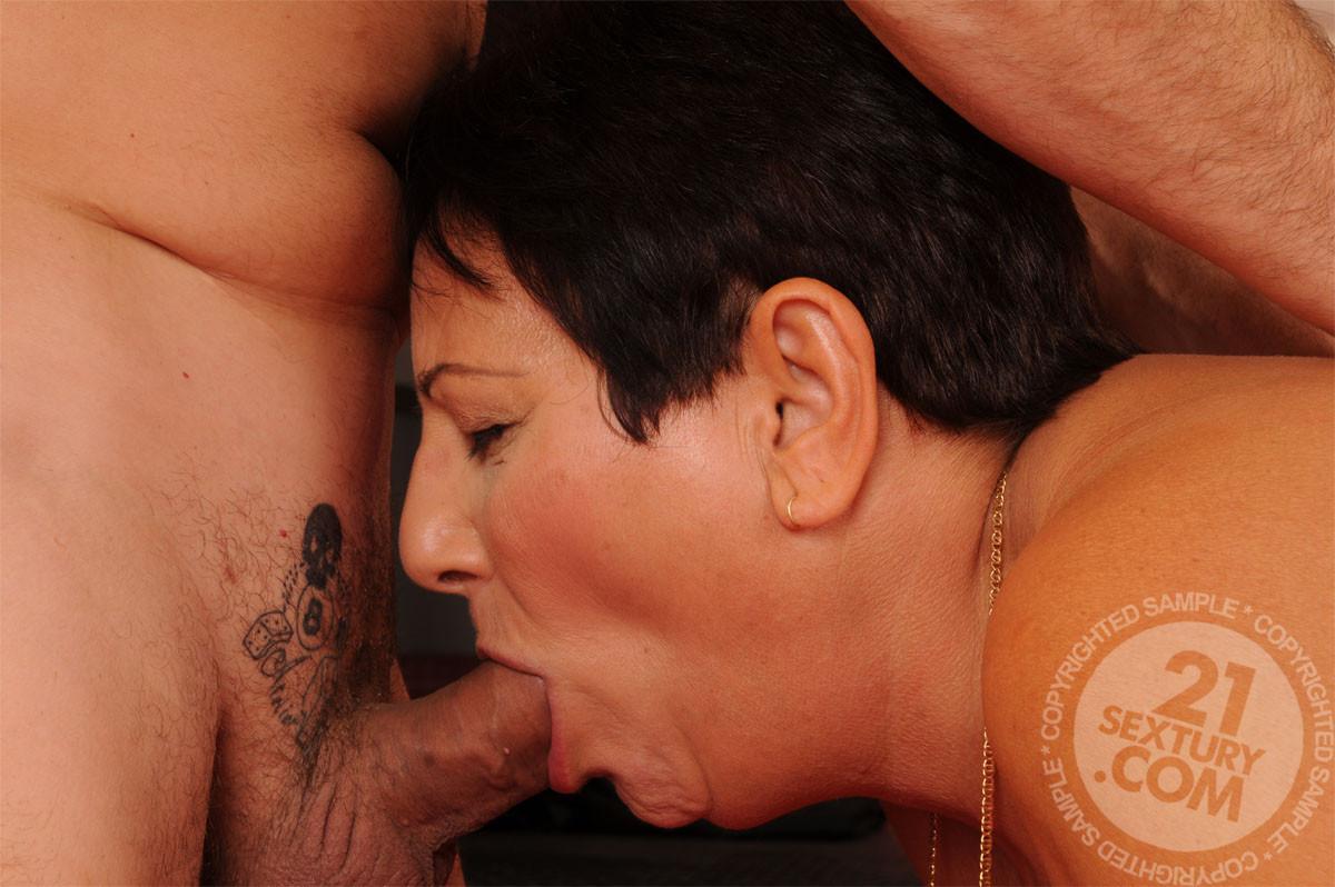 Porn pics hairy latin