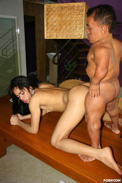 Big Cock Midget Fucks Sexy Shaved Pussy