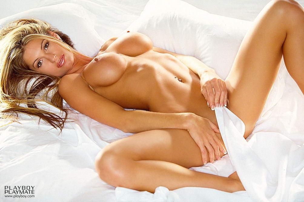 Foxy nude photography