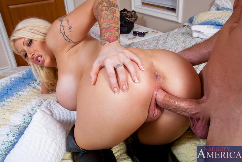 Hot busty blonde hardcore sex