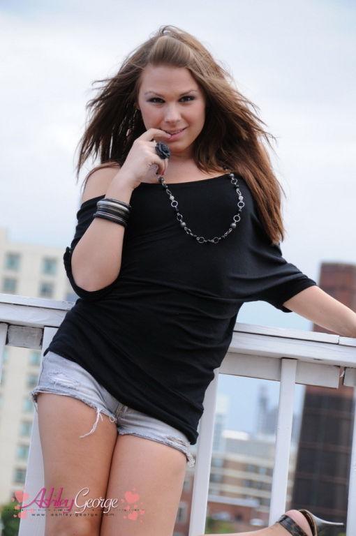 Teen tranny flashing outdoors