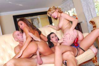 naked Adriana Deville ffm big dick