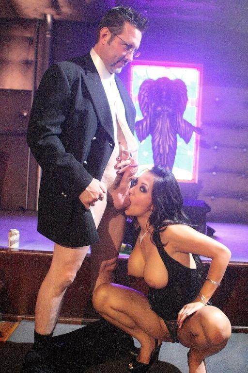 Gianna Lynn gobbling on a huge dick rich with jizz