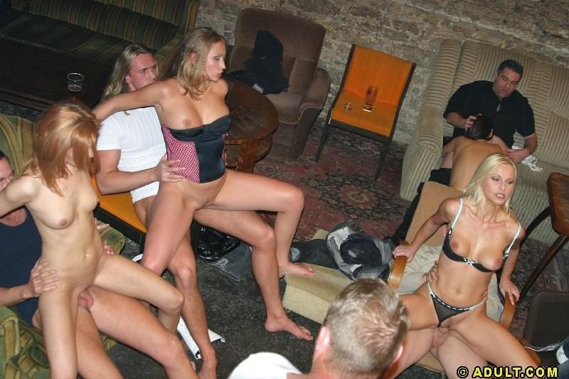 как соблазнительные русские свингеры съемки в клубах москва встала краю