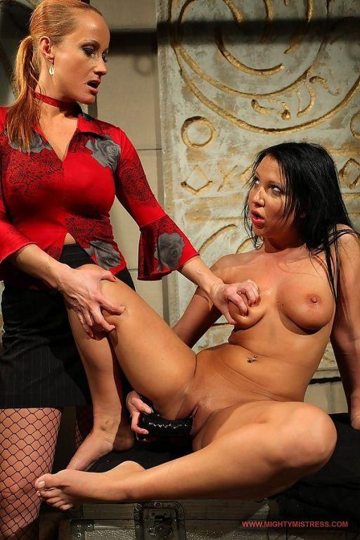 Horny Katy Parker dominating the gorgeous babe Cha